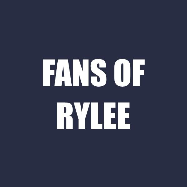 fans of rylee.jpg