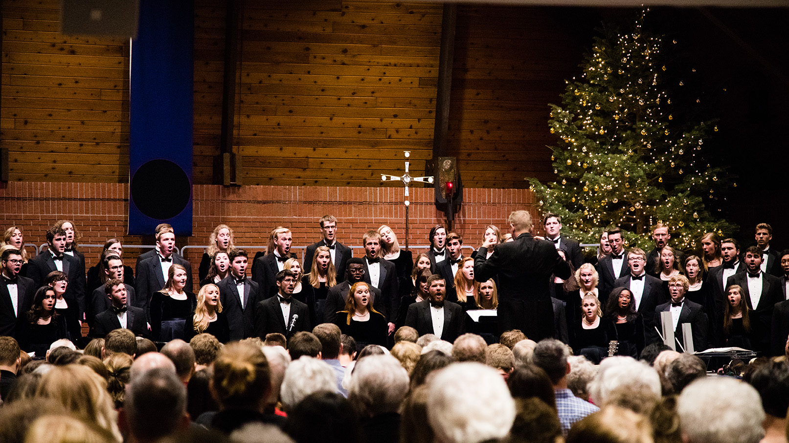 Concordia choir singing at a Christmas at Concordia concert