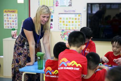 Student teaching English in International School